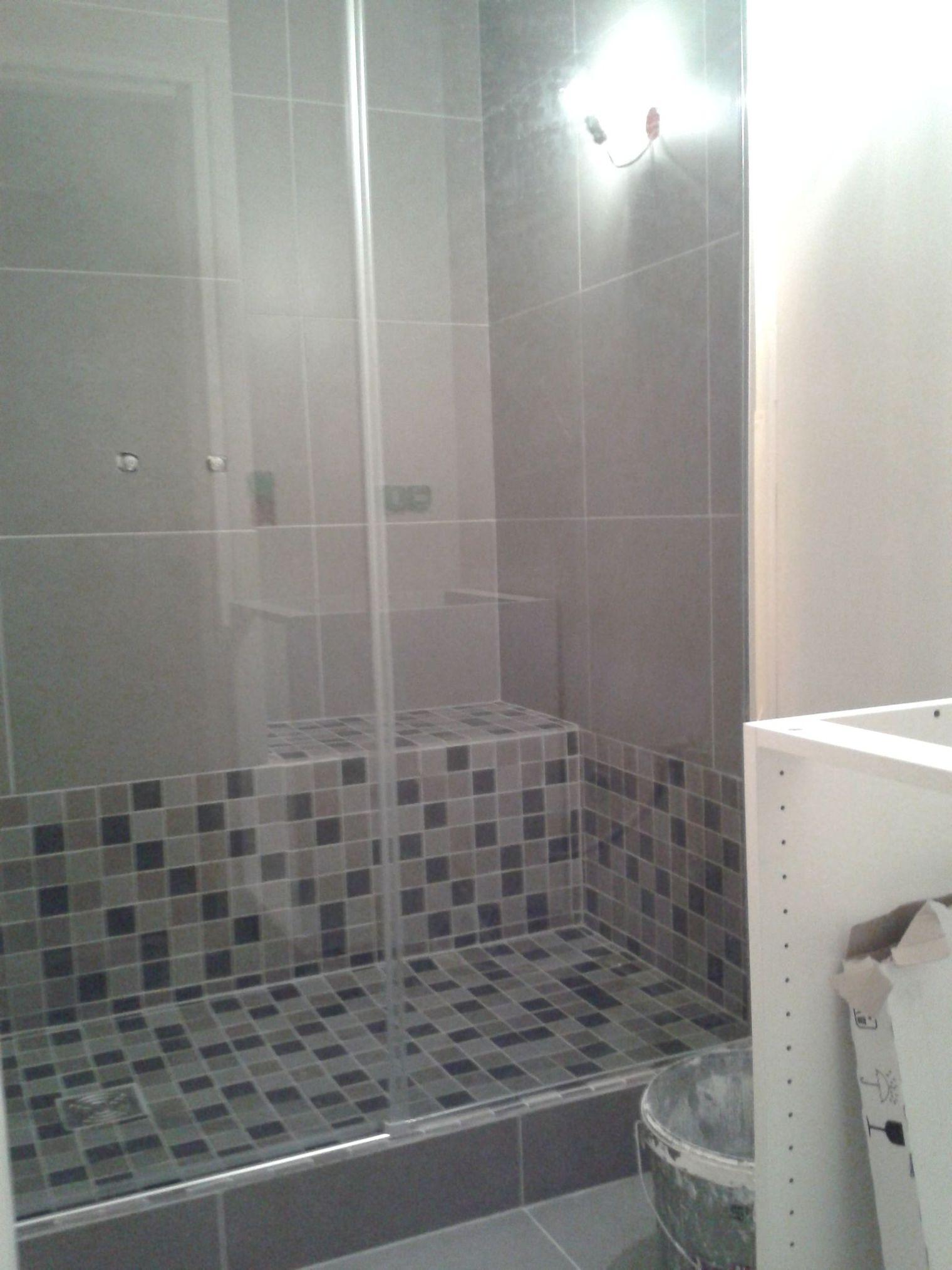 Douche italienne avec marche for Salle de bain italienne 2016